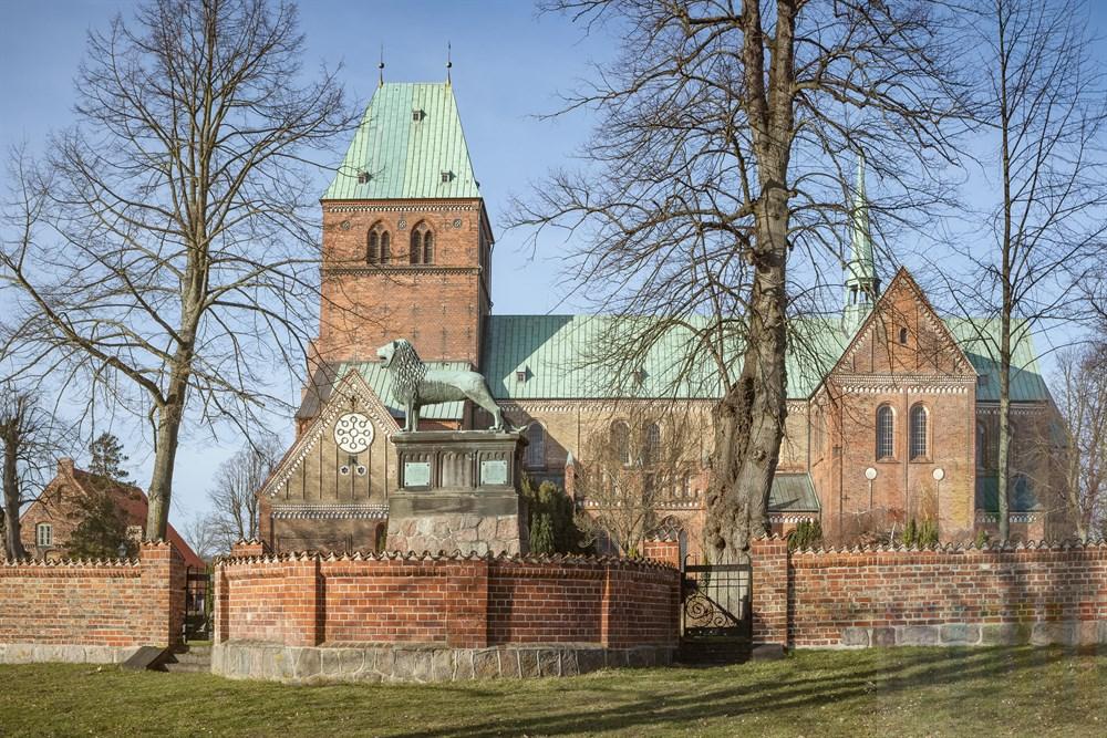 Das Ratzeburger Wahrzeichen, der Dom. Er wurde von Heinrich dem Löwen in der Zeit von 1165 - 1220 erbaut