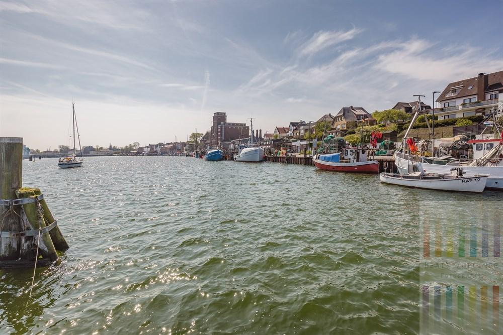 Sonniger Frühlingstag am Fischereihafen von Kappeln an der Schlei