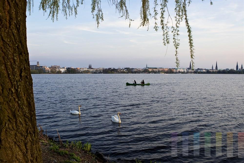 Frühlingsabend an der Aussenalster in Hamburg