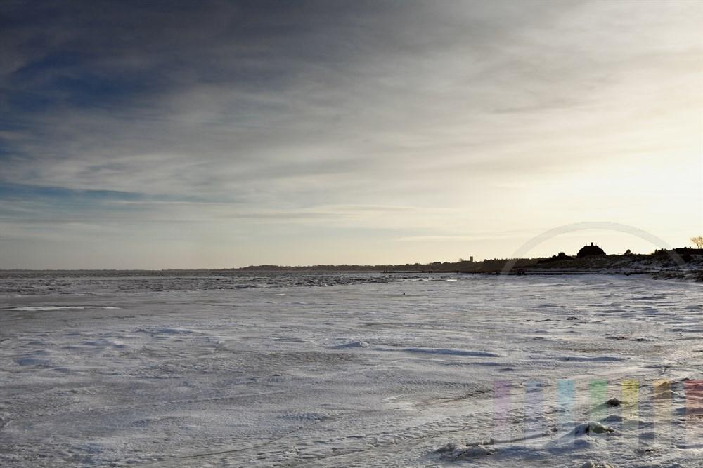 vereiste Keitumer Bucht an der Ostseite der Insel Sylt, sonnig