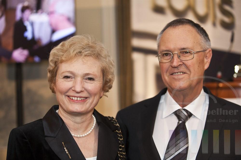 Gabriela und Hans Eichel (ehemaliger Bundesfinanzminister) anlaesslich des Blankeneser Neujahrsempfangs 2011