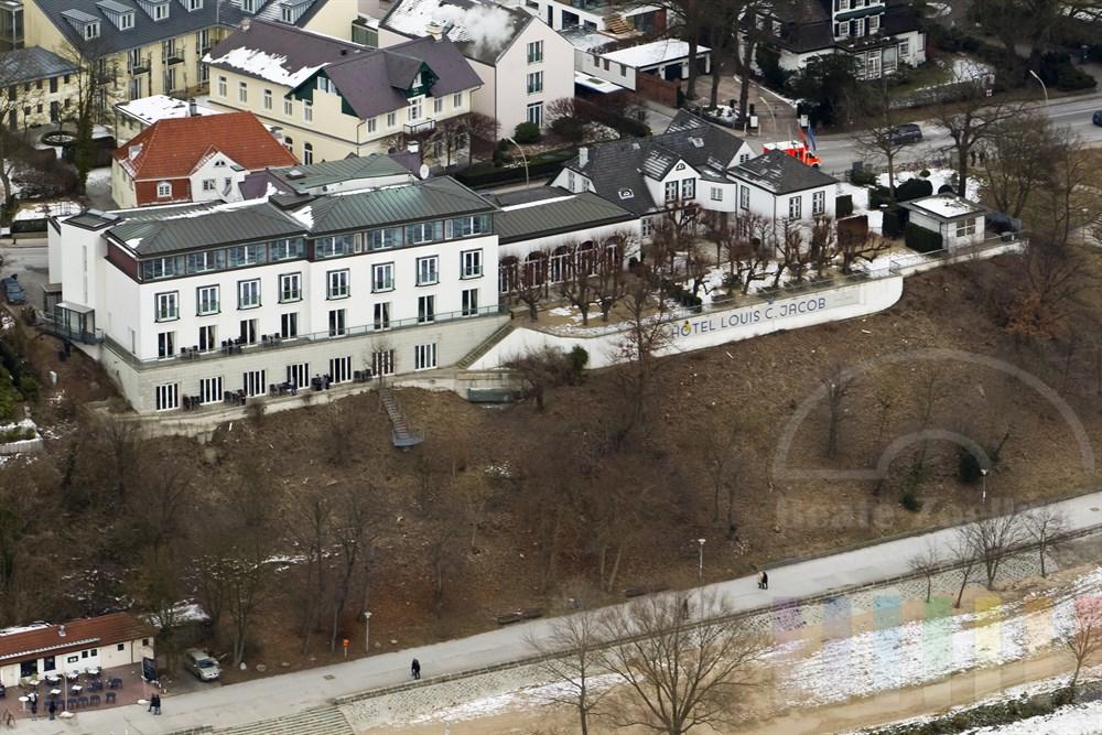 Luftfoto: Hotel Louis C. Jacob in Hamburg-Nienstedten zwischen Elbchaussee und Elbe, winterlich
