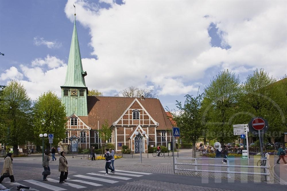 Die St. Petri und Pauli Kirche im Zentrum von Hamburg-Bergedorf