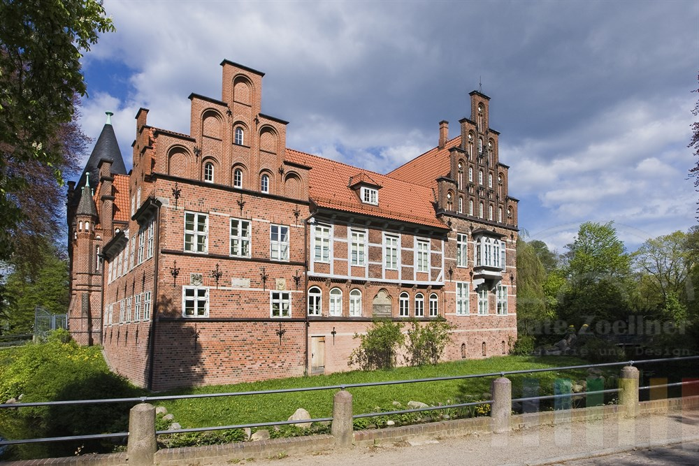Das Schloss in Hamburg-Bergedorf - frühlingshaft-sonnig