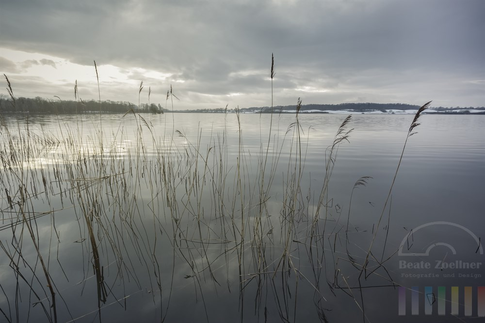 Winterliche Abendstimmung am Bothkamper See in Schleswig-Holstein