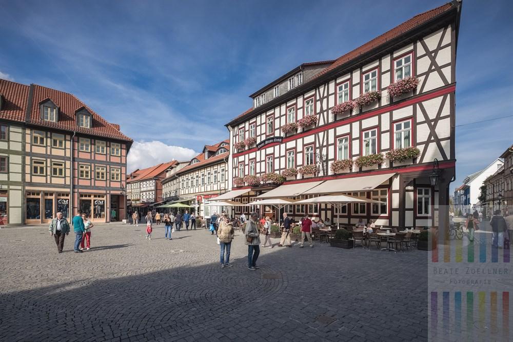 Auf dem Marktplatz in Wernigerode am Harz, spätsommerlich