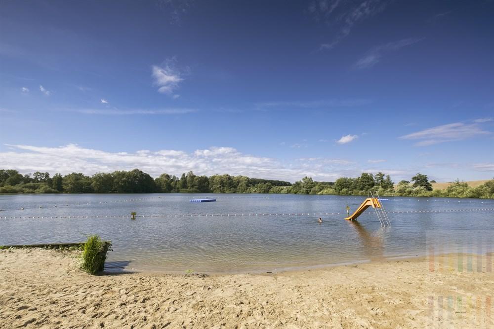 Natur-Freibad am idyllisch gelegenen Poggensee in der Nähe von Bad Oldesloe