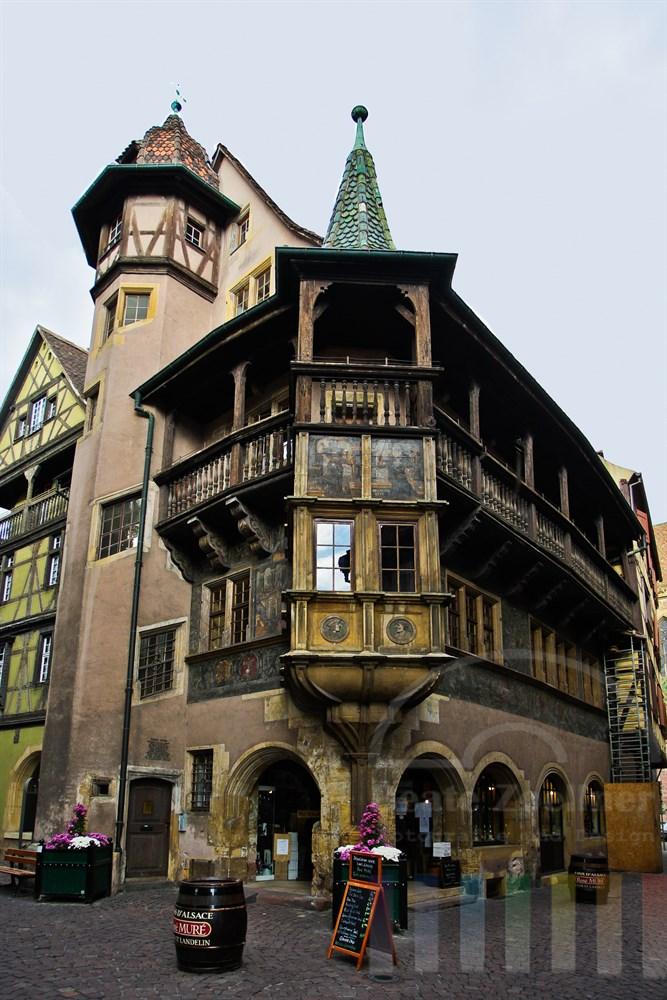 """Das berühmte """"Maison Pfister"""" in Colmar stammt aus dem Jahr 1537 und ist reich verziert."""
