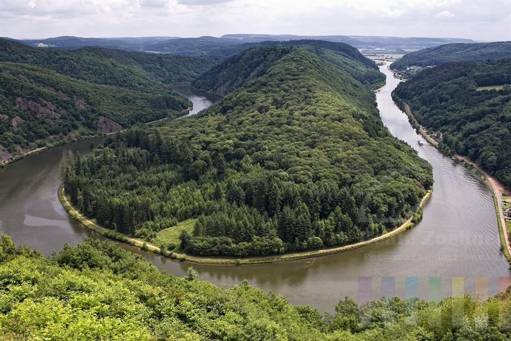 Blick vom Aussichtspunkt Cloef auf die Saarschleife
