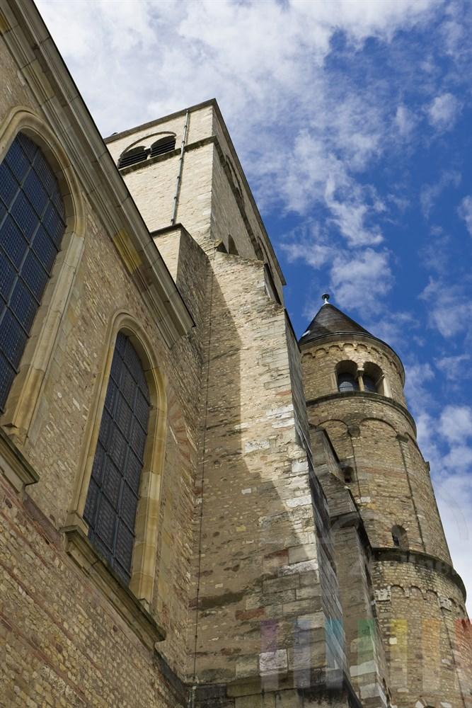 Seitenansicht des Doms zu Trier