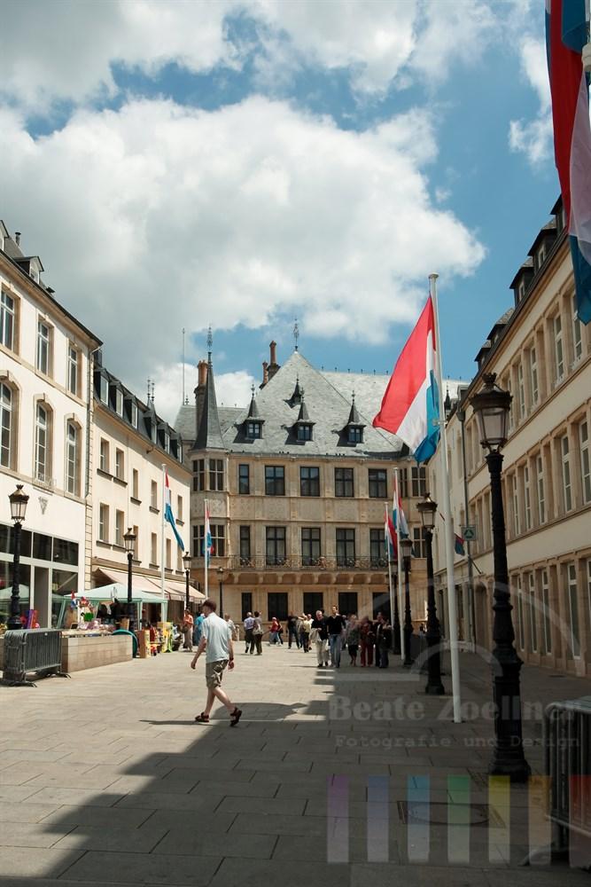 Blick vom Place Guilluame II auf den Palast des Grossherzogs von Luxemburg