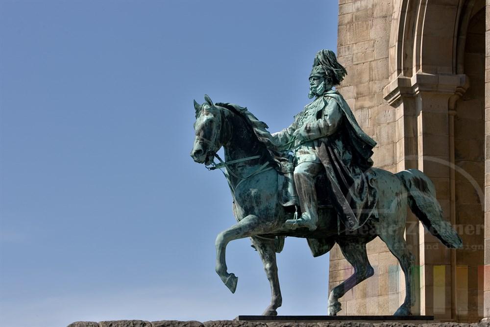 Denkmal von Kaiser-Wilhelm hoch zu Ross auf in Dotmund-Hohensyburg