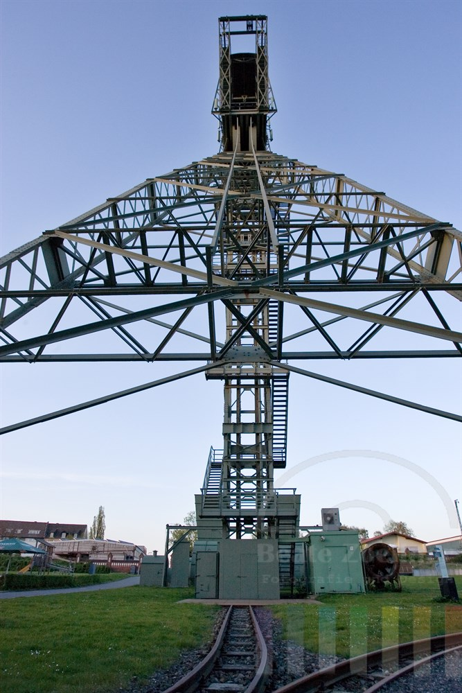 Förderturm der Zeche Zollern. Die gesamte Anlage ist heute Museum und gilt als erstes technisches Baudenkmal von internationaler Bedeutung in Deutschland