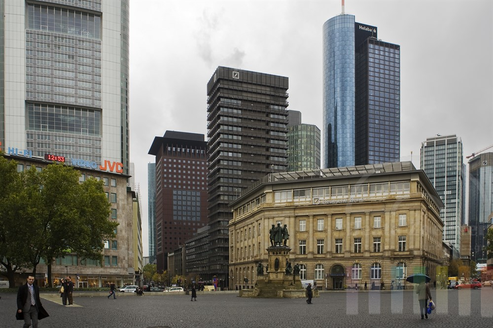 Am Rossmarkt in Frankfurt treffen alte und moderne Architektur aufeinander