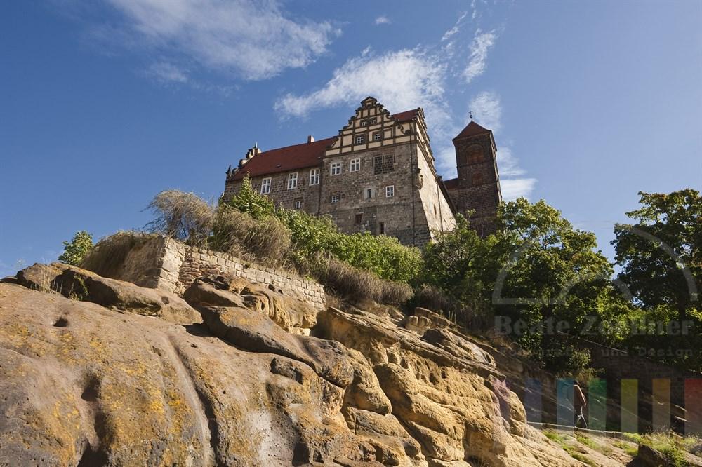 Blick auf die Stiftskirche St. Servatius in Quedlinburg mit Schlossberg aus Sandstein