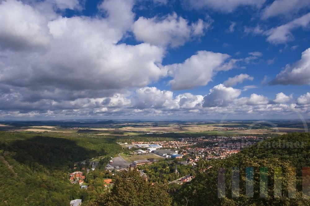 Blick auf die Stadt Thale im Ostharz vom Hexentanzplatz