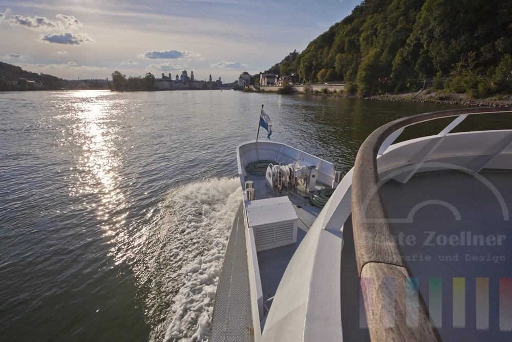 Schiffsfahrt auf der Donau Richtung Passau